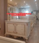 Meja Rias Ukir Modern Putih