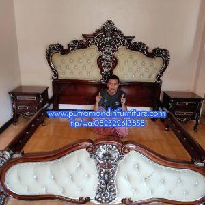 Tempat Tidur Ukir Wirajaya