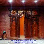 pintu gebyok rumah utama